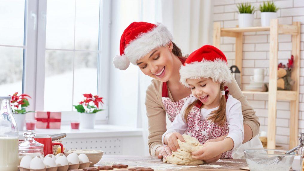 Natale con i bambini: attività e giochi da fare in casa