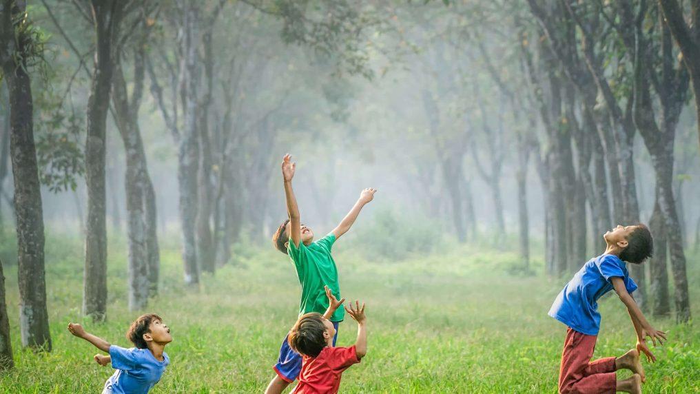 9 giochi per bambini e ragazzi da fare in giardino