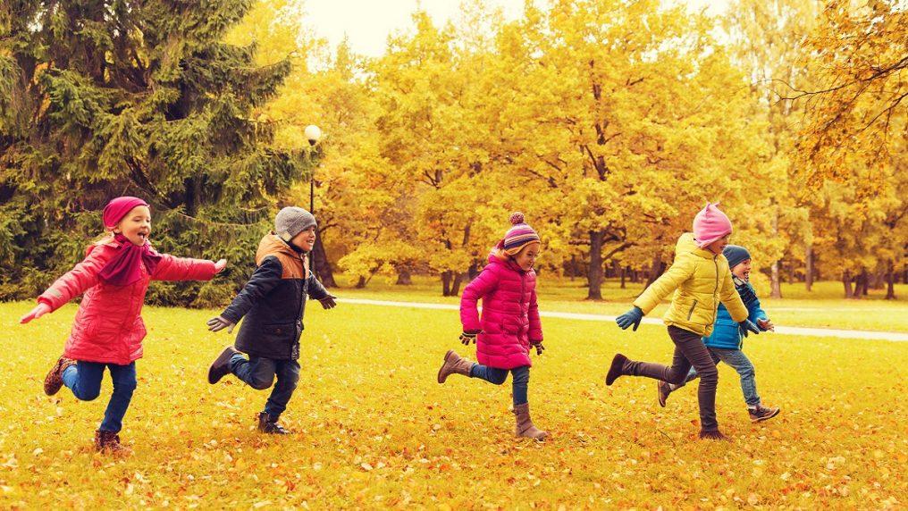Sistema immunitario più forte nei bambini che giocano all'aperto